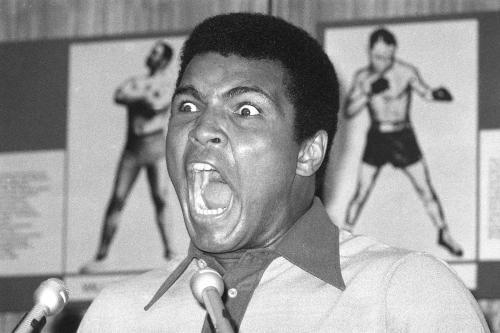 Muhammad Ali durante una conferenza stampa. Fonte img: Lowell Sun