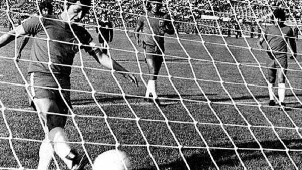 La farsa del Novembre 1973: Chile-Urss, Stadio Naçional, Santiago del Chile.