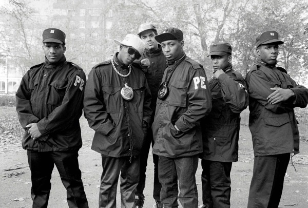 I Public Enemy, rap band simbolo dell'hip hop statunitense (Copyright David Corio/Redferns 1987)