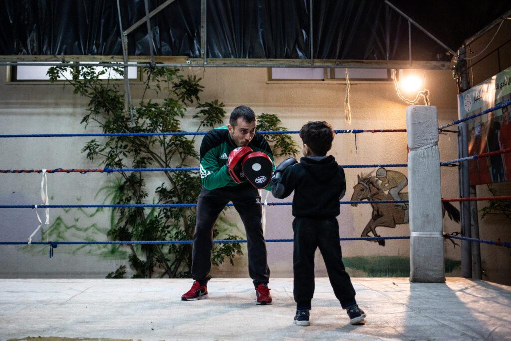 Boxe contro l'assedio bambini palestina